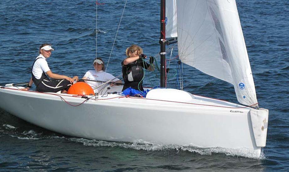 Arkivfoto med Trine Abrahamsen ved roret. Foto: Troels Lykke