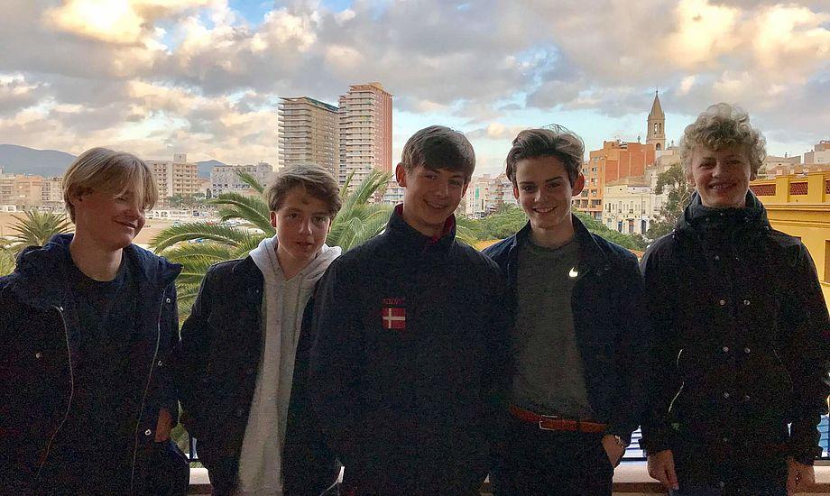 De fem danske Zoom8 drenge der var på træningslejr i Palamos.