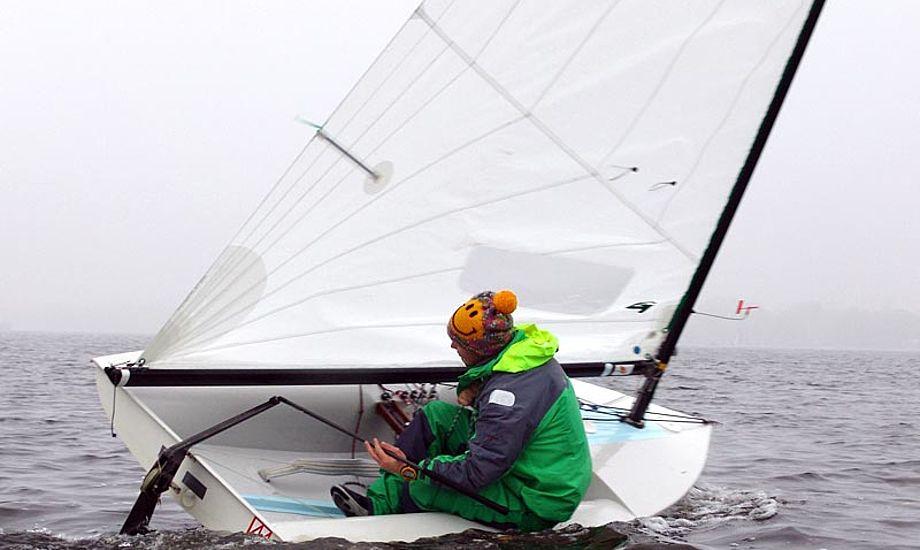 Emil Lund fra SYC er godt klædt på, til træning på Alster. Foto: Søren Johnsen