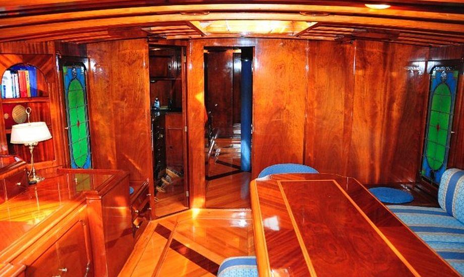 Mr. Peter Engels, Agnetas nuværende ejer købte båden i 1999 blev den igen fuldstændig gennemrenoveret