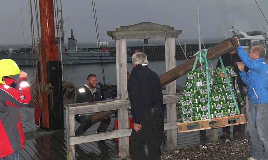 Det blev til små 400 dåsebajere til Marc Wain. De skal drikkes til julefrokosten. Foto: Lars Darling