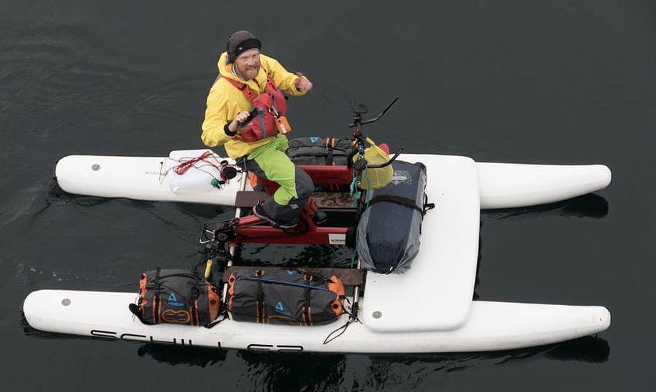 Det var en glad og ivrigt snakkende Dave Cornthwaite, der mødte passagerer og besætning på m/s Lofoten ved Norskekysten. Foto: Søren Stidsholt Nielsen, Søsiden, Fyns Amts Avis