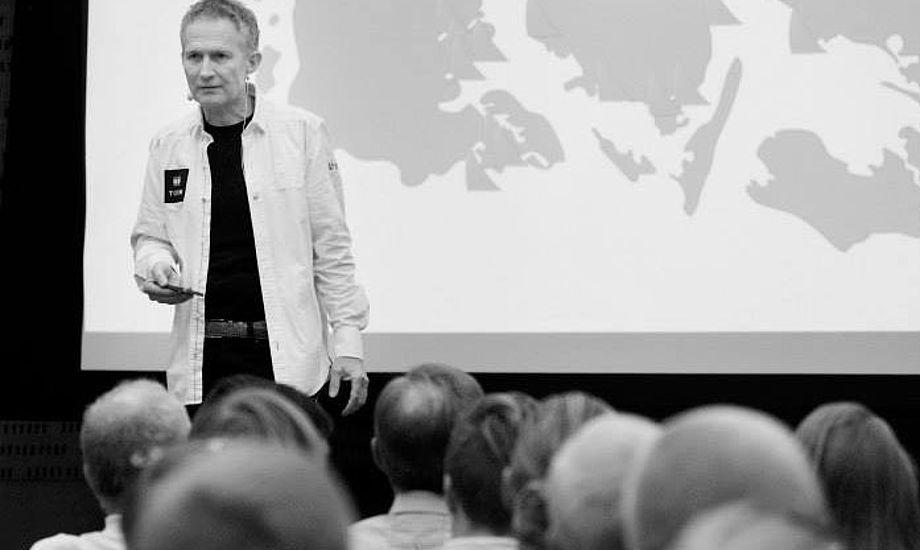 Hans Natorp er netop fyldt 50 år. Her ses formanden for Dansk Sejlunion i Santander under VM for OL-klasserne. Foto: Troels Lykke