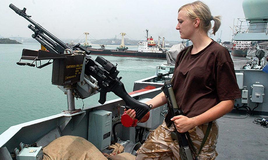 Aktionen mod piraterne var klar, men regeringen sagde nej, fordi det var for farligt. Aktionen blev aflyst til stor frustration for mandskabet på Esbern Snare.
