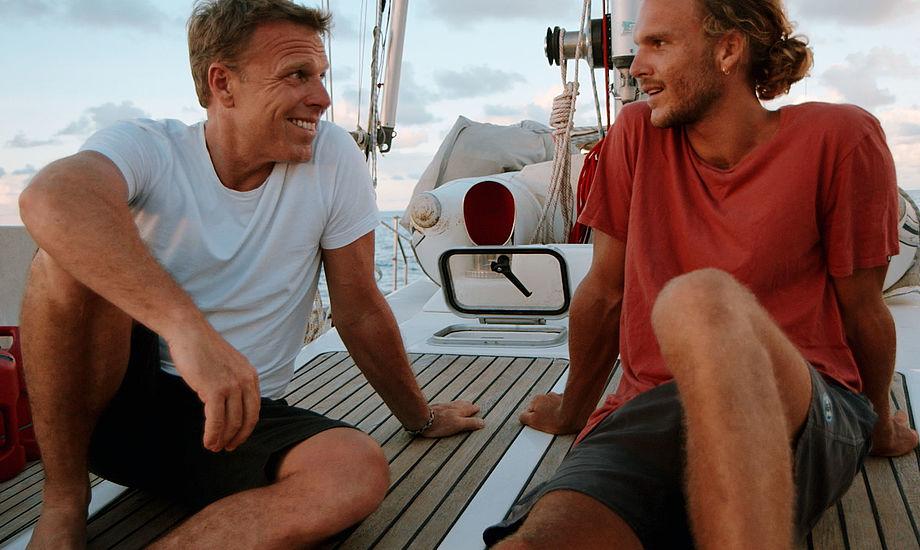 Mikkel Beha og sønnen Emil har netop takket ja til jobtilbuddet fra TV 2. Foto: Hannelore Dörner / TV 2