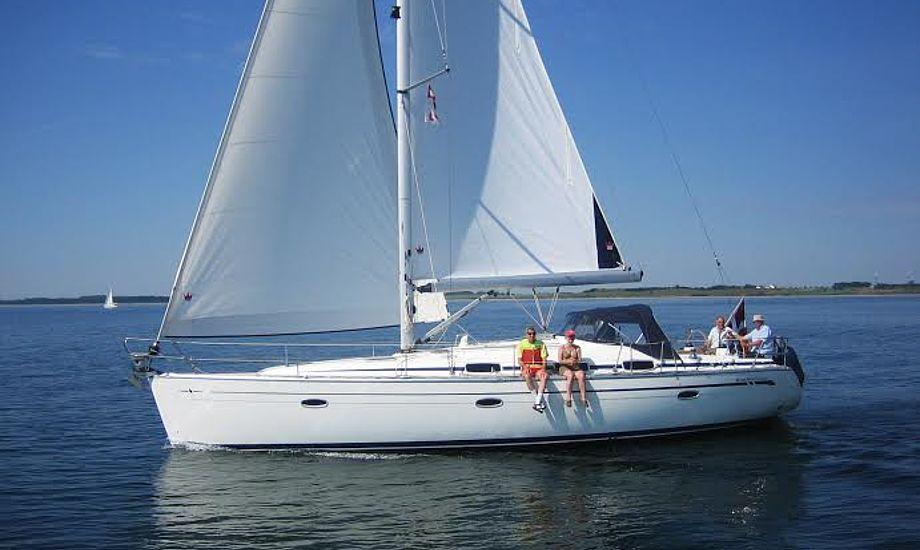 Carl Gerstrøm sejler ofte til Skagen, Læsø eller Anholt i den 42 fods båd, der fra ny i 2007 kostede 1,5 mio. kroner med teakdæk og ekstraudstyr.