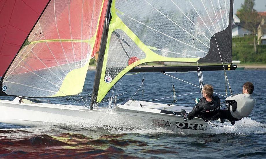 Flere nye danske besætninger er på vandet i Kiel, herunder Mads Emil Lübeck og Nikolaj Buhl. Foto: Dansk Sejlunion/Flemming Ø. Pedersen