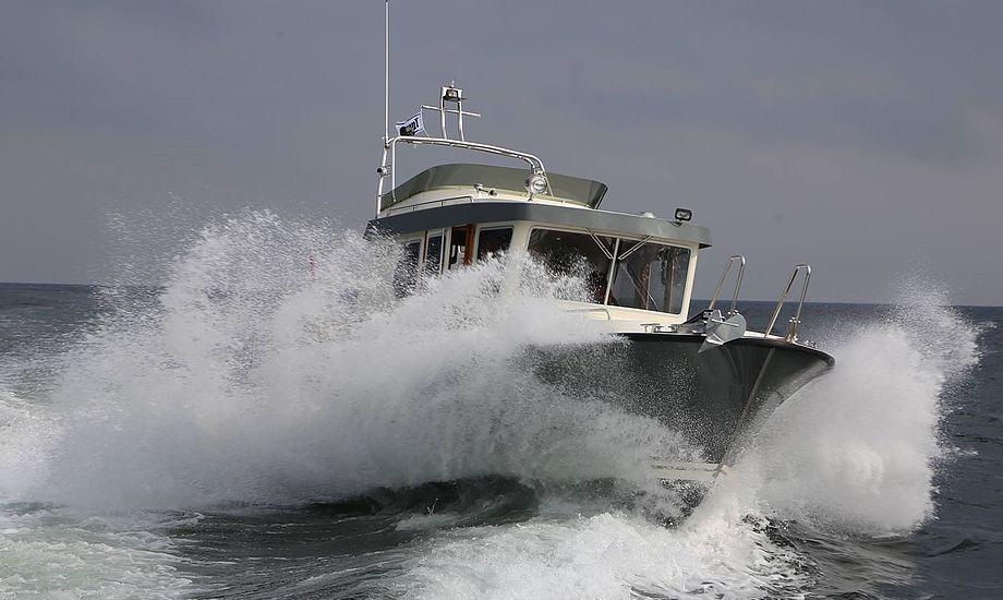 Den finske styrehusbåd Targa 30.1 er både til en fisketur med drengene eller  ferietur med familien. Foto: Troels Lykke