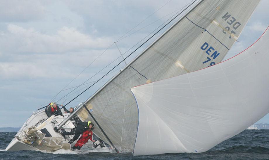 X-båd i vanskeligheder. Kan ikke lige hvilken model det er. Fotos: Bjarne Pedersen, Kragenæs