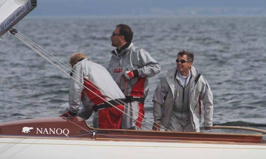 Kronprins Frederik ses her til DM i 2011 med Theis Palm og Kasper Rosenberg Harsberg. Foto: Troels Lykke