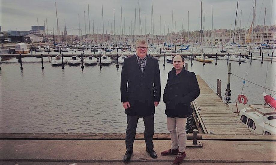 To glade direktører: Erling Sørensen, direktør hos Spar Nord (th) og Thomas Capitani, direktør hos Sailing Aarhus. PR-foto