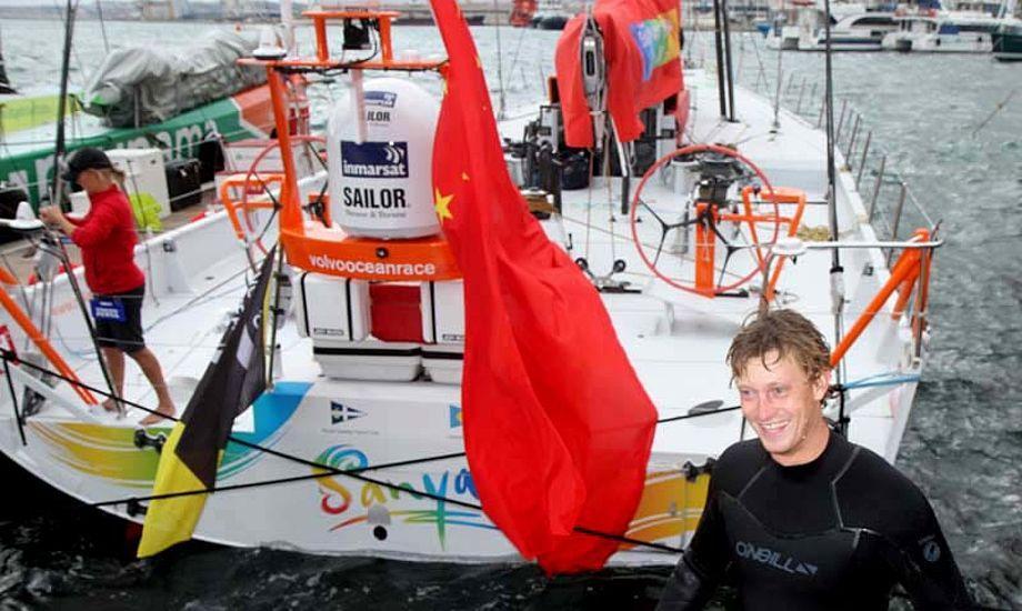 Martin Kirketerp har på 30 minutter lige skrubbet V0 70eren Sanya, der før hed Telefonica Blue. Foto: Troels Lykke