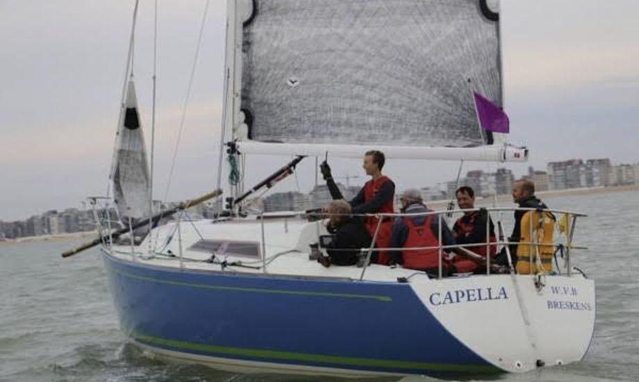 Frans Maas havde selv designet båden, der mistede kølen under kapsejladsen. Foto: Royal Belgium Yacht Club
