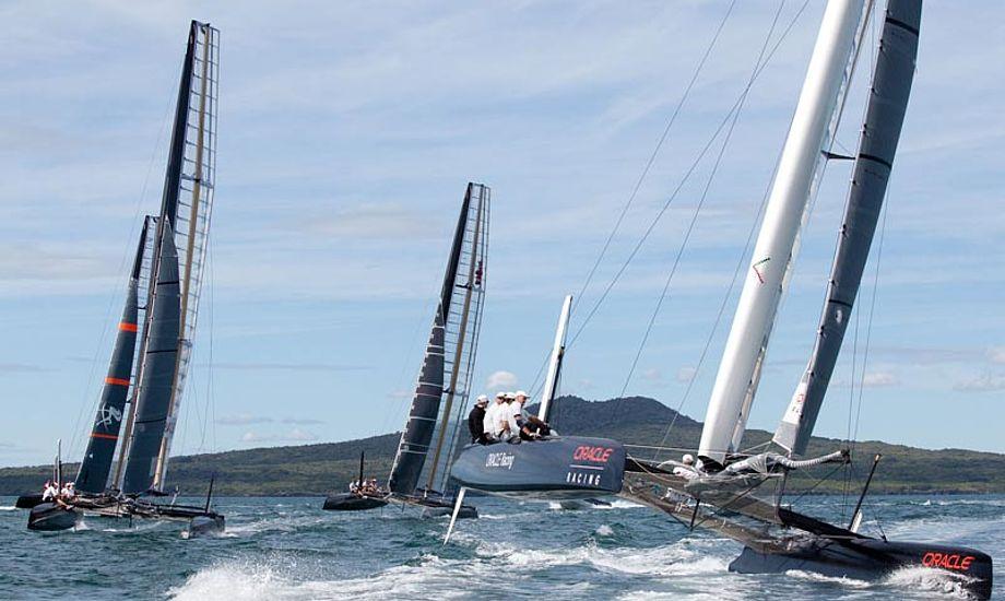 Fire AC45 træner på vandet ved New Zealand. Foto. americascup.com