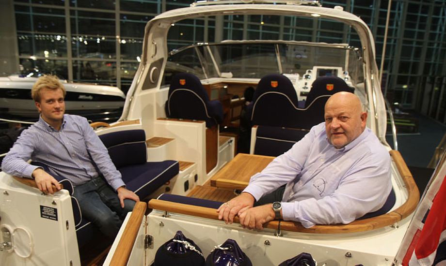 Kasper Reese, tv., og Henrik Reese havde gyldne dage i Hamborg. Her er de om bord i en  Marex 300 Sun Cruiser i 2011 udgave. Foto: Troels Lykke
