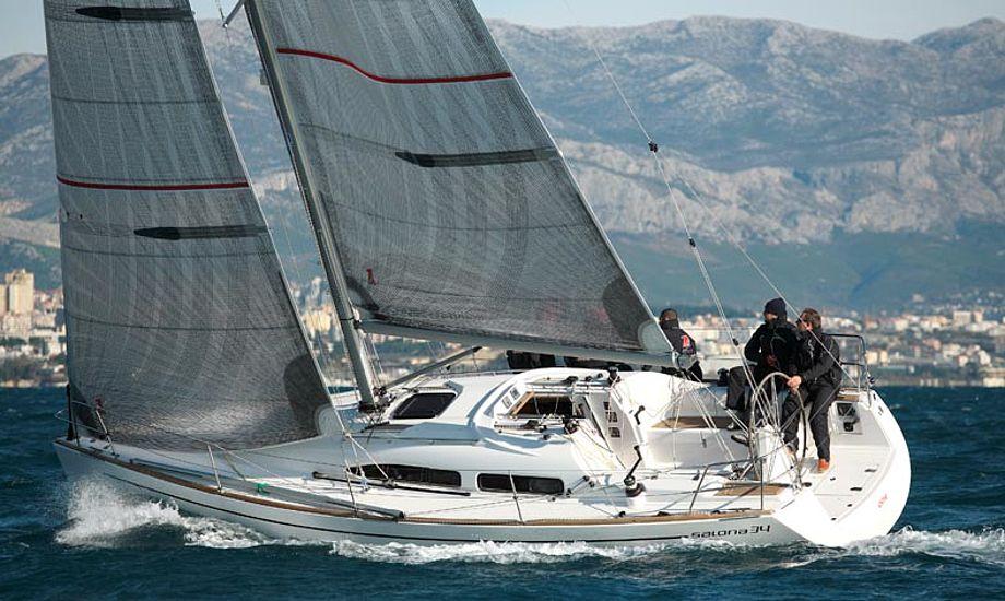 Det er muligt at få en ny båd til under en million. Salona 34 er en af dem. Foto: Salona Danmark