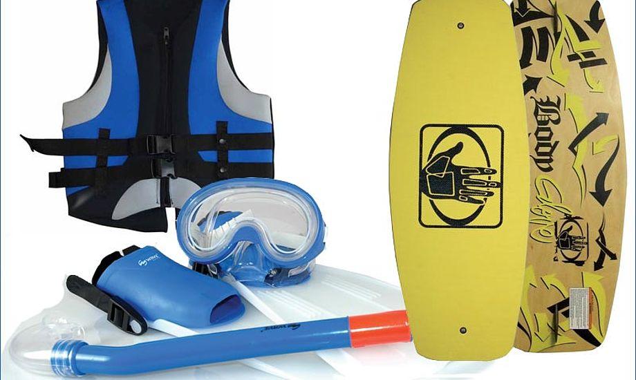 Wakeboard, vest og snorkelsæt. Så er det sommer.