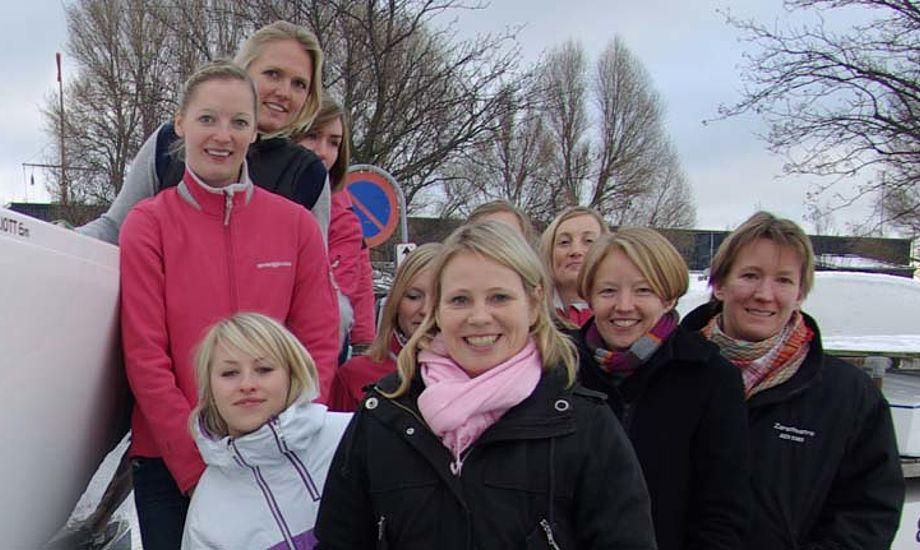 Matchrace-kvinder i Rungsted. Nu kan de slet ikke sejle i Danmark, isen ødelægger det for dem. Foto: Troels Lykke