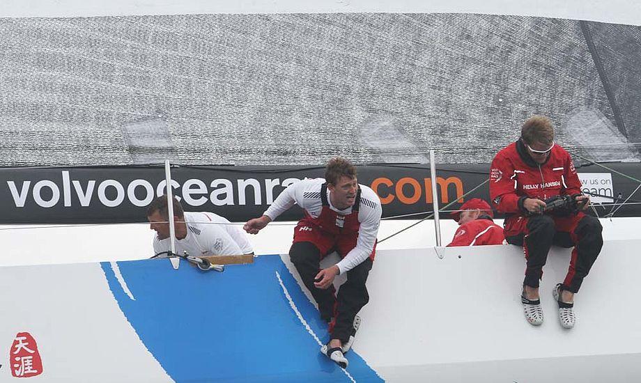 Martin Kirketerp på Sanya i Galway i Irland under inport-race i Volvo Ocean Race i juli 12. Foto: Troels Lykke