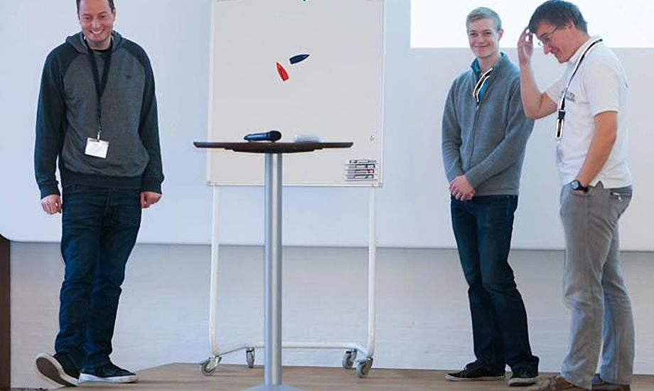 Fra venstre: Jon Møgelhøj, Martin Frislev og Søren Badstue til kapsejladsleder-seminar. Hvad mon de griner af? Foto: Mogens Hansen