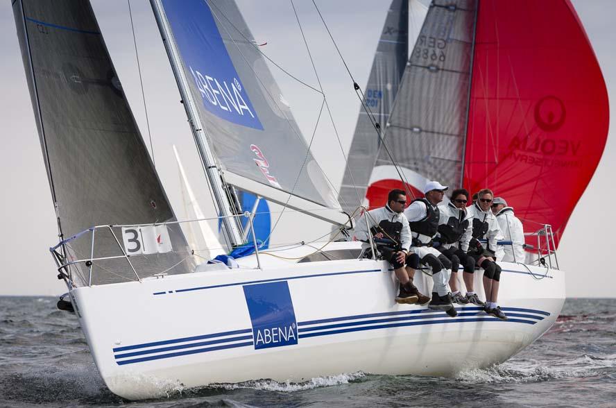 Xp33 med Friis Møller vinder og det gør Xp38 med Torsten Bastiansen også. Foto: Mick Anderson/sailingpix.dk