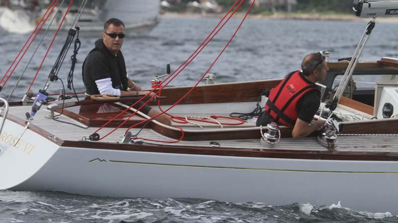 Anders Jessen fra grossisten Watski sejlede i Molich 10 meteren Savage Rose tog en 8. plads blandt 13 Molich 10 metere. Foto: Troels Lykke