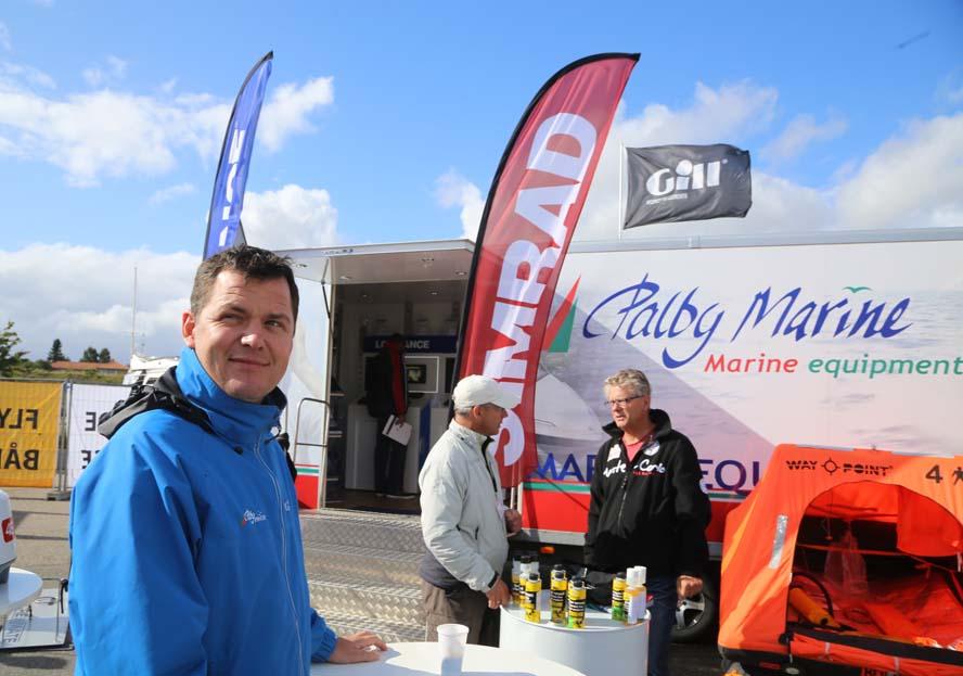 Peter Helleskov fra Palby Marine roser Flydende Bådmesse i Egå. Foto: Troels Lykke