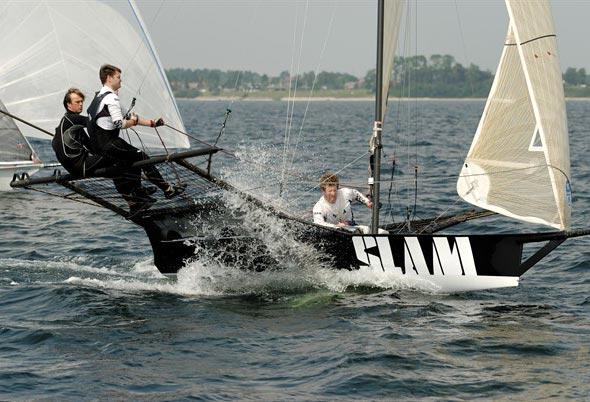 Se tv fra Mark Foy Trophy  i Sønderborg. Foto: 18footer.org