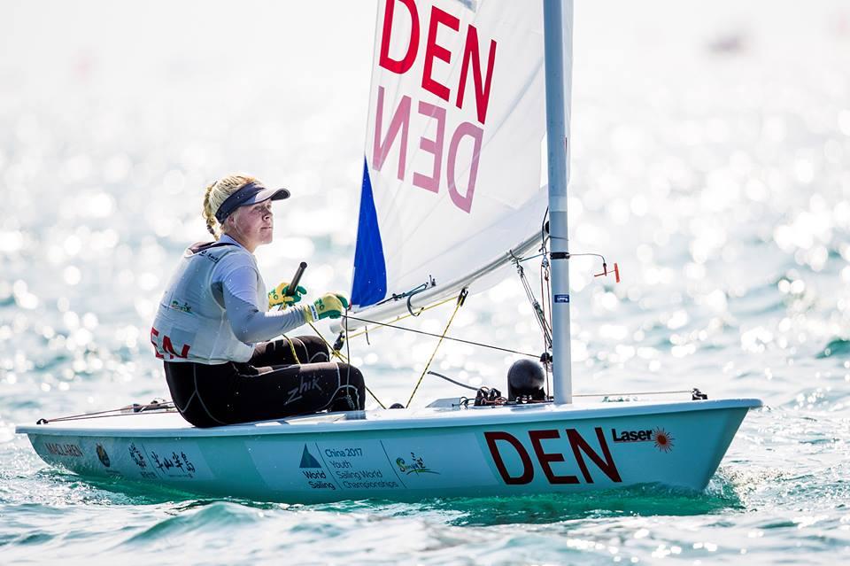 Michala Høeg Norsell, KDY, stiller op i Laser Radial Girls og ligger nu på en 24. plads. Foto: Sailing Energy.