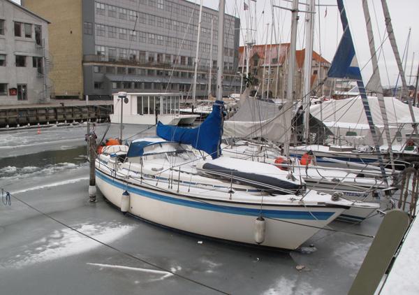 Christianshavns Kanal i januar 2010 med masser af is. Foto: Troels Lykke