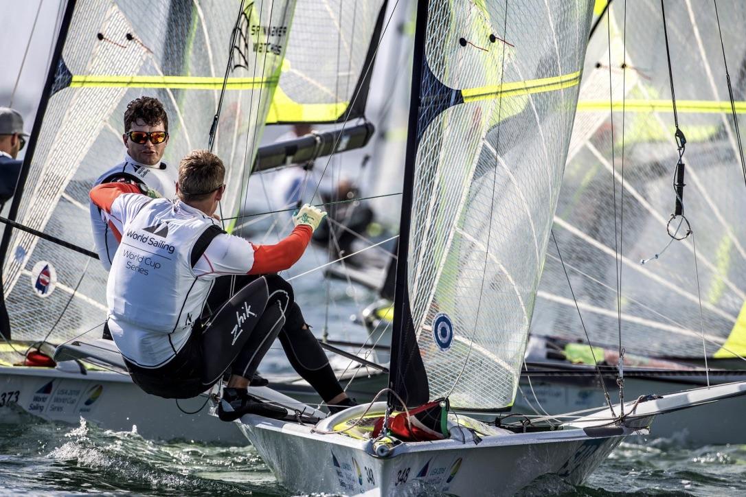 Lübeck og Buhl er eneste danske 49er-besætning i Miami. Foto: Richard Langdon / Sailing Energy