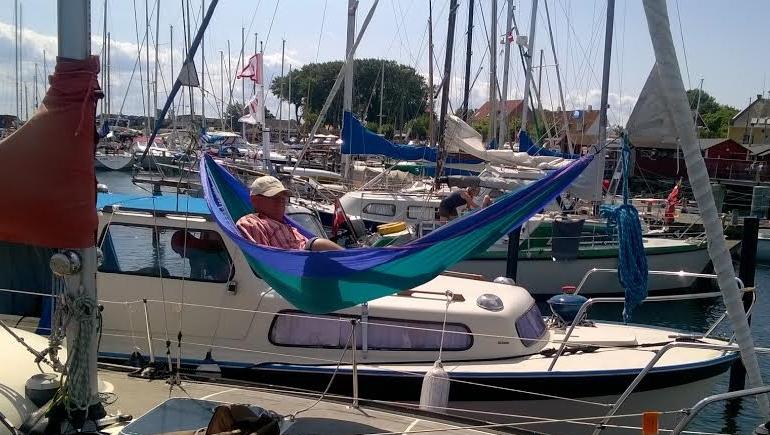 Ballen Havn har hvert år besøg af et stort antal gæstesejlere - ikke mindst under Samsø Festivalen. Foto: Troels Lykke