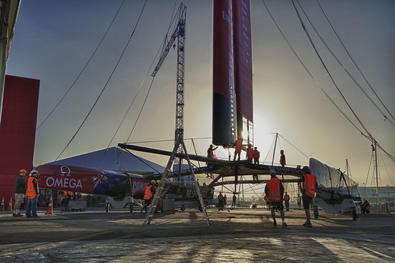 ETNZ er det første hold der afslører AC 72 katamaranen.