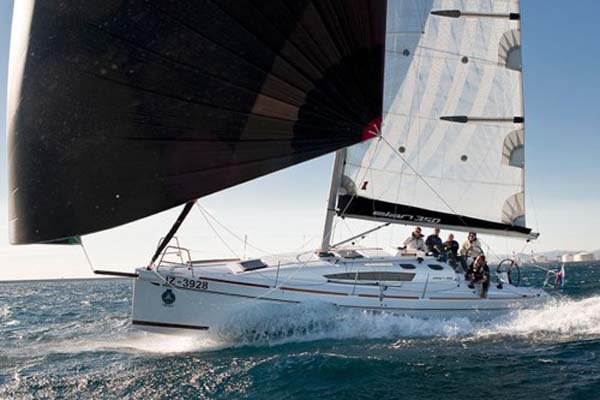 Årets Båd 2011 i kategorien 'Performance Cruiser' Elan 350 forhandles af JMarine
