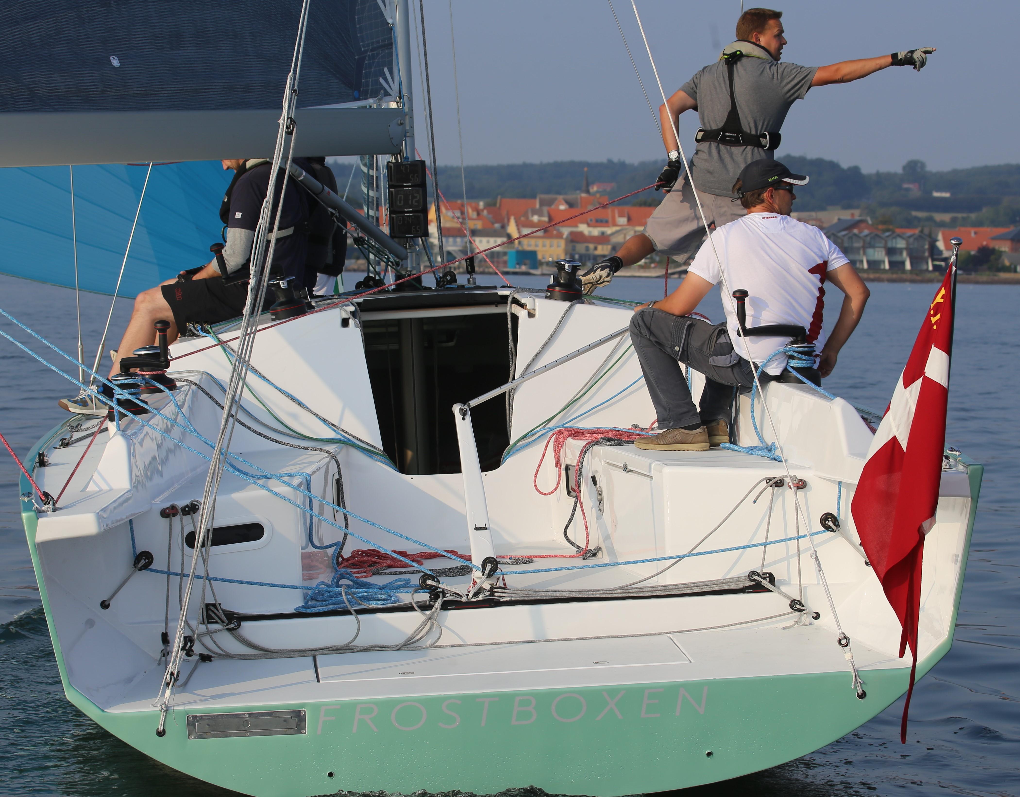 Hvis du har stabiliteten og ikke krænger for hurtigt, så får du mere fart ud af båden, siger designer Jan Pedersen fra Big Design. Foto: Troels Lykke