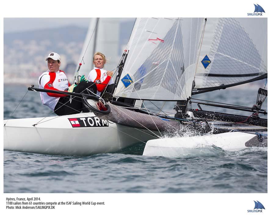 Lin Cenholt og Anders Thomsen i Nacra 17. Farten er god, men starterne skal blive bedre, lyder det fra Lin. Foto: Mick Anderson/sailingpix.dk