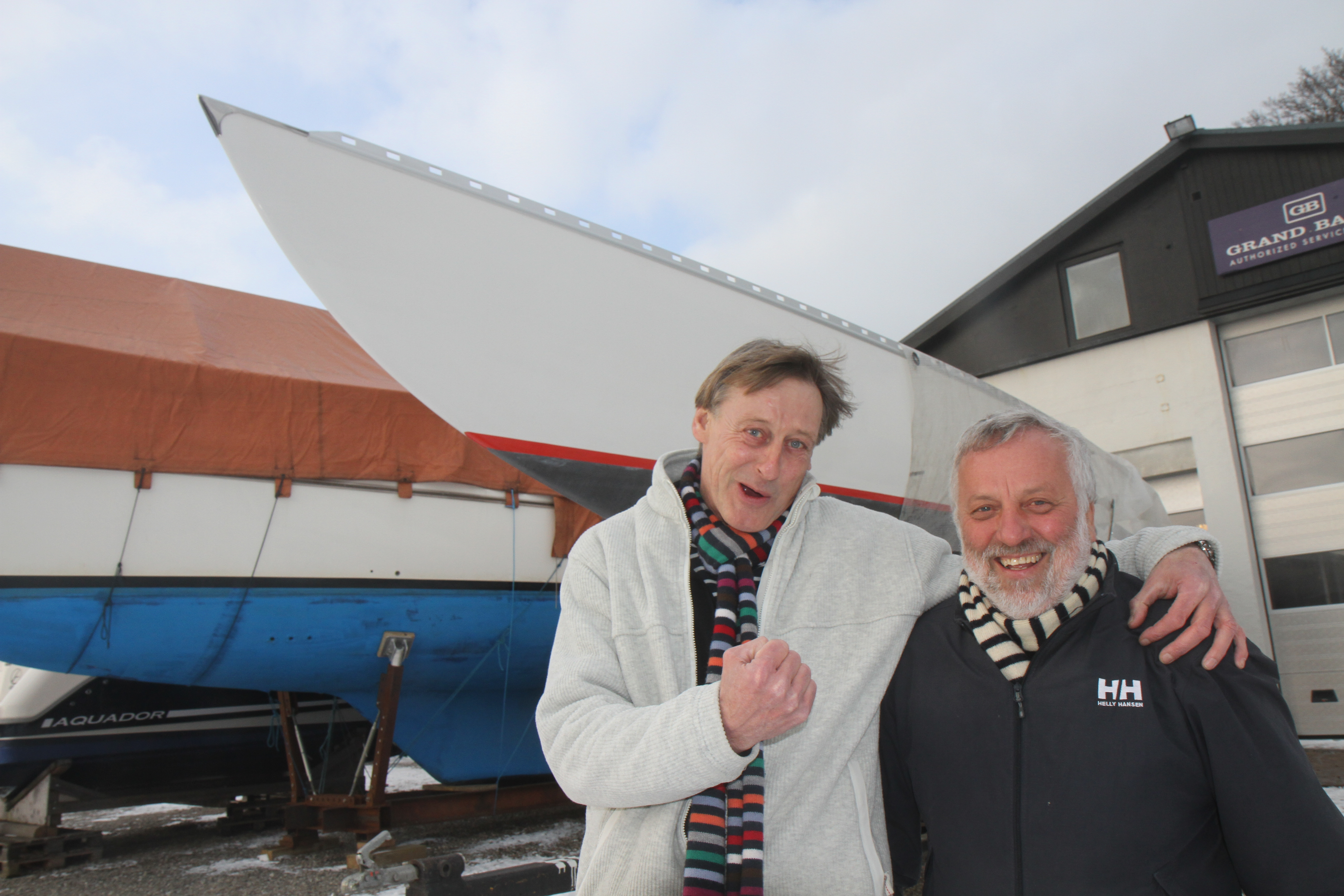 Flemming Fjord, tv., udfordrer den regerende Ylva-mester Leif Pehrsson fra Bogense Sejlklub. Foto: Troels Lykke