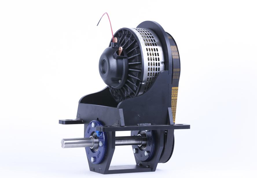 LMC Marlin fås som 5kw, 8 kW og 13 kW og kan sin kompakte størrelse til trods drive både op til 45 fod.