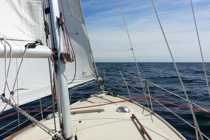 Til sommer tager LM 27'eren - måske - kampen mod både LM-kritikere og andre deltagerbåde ved hornene, når Sjælland Rundt løber af stablen. Foto: Bøje Larsen