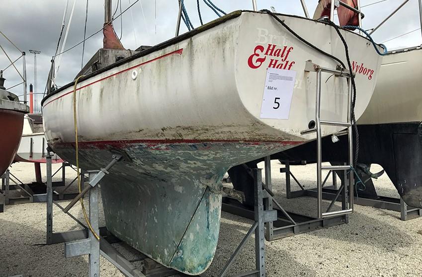 Vi kan desværre ikke fortælle hvad dette håndværkertilbud blev solgt for på Vejle Lystbådehavn, men højst 7.200 kroner. Foto: Vejle Lystbådehavn
