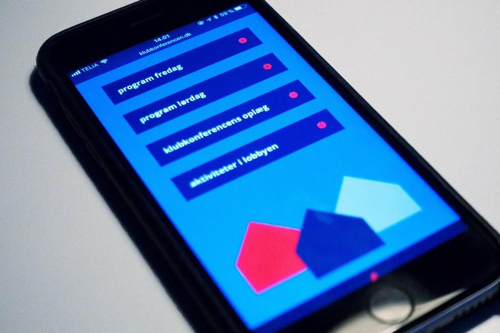 Klubkonferencen har en mobilvenlig hjemmeside, med oversigt over tema, klokkeslet, oplæg med videre.