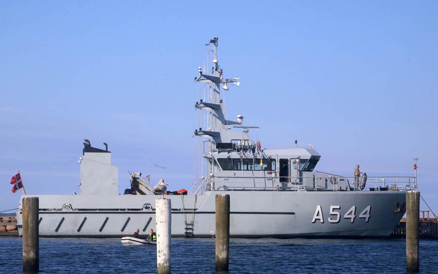 Der var kun to mand om bord på sejlbåden, og en hjemmeværnskutter blev sendt ud for at hjælpe den anden mand ind til Kalundborg. Foto: Troels Lykke