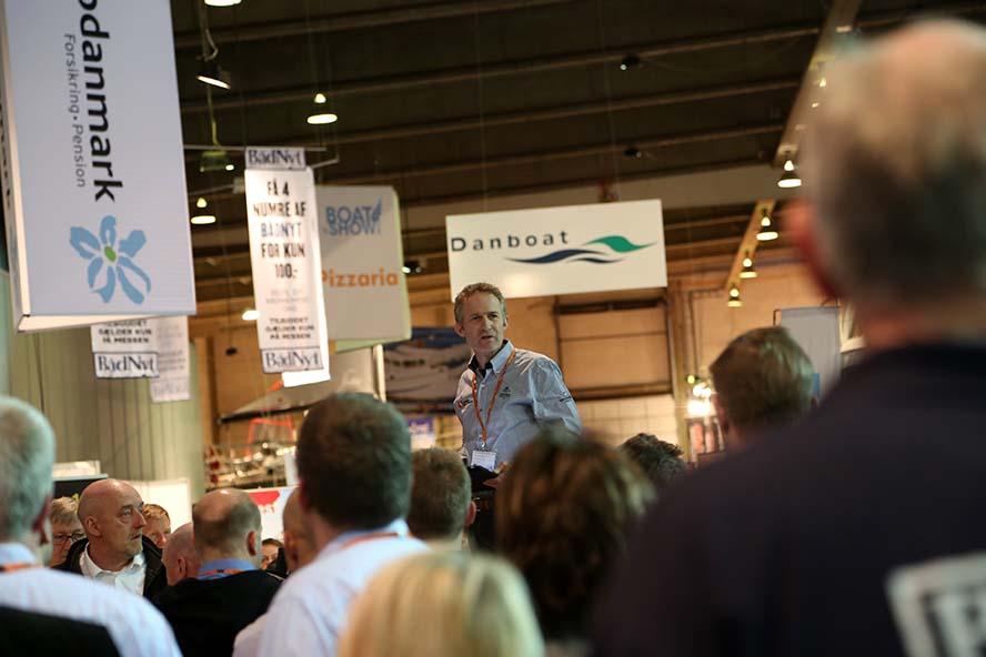 Hans Natorp taler her i Fredericia om Dansk Sejlunion, der i år fylder 100 år. Foto: Troels Lykke