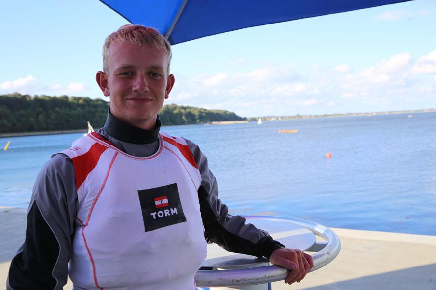 Patrick Döpping er ret klar til at foile op til 35 knob. Flying Phantom må dog ikke sejles af de unge i over 11-12 m/sek. Foto: Troels Lykke