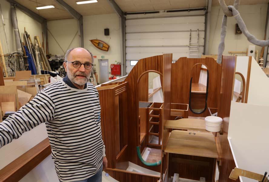 Oluf Jørgensen står her på en Luffe 36.3, der skal leveres til en nordmand. Foto: Troels Lykke