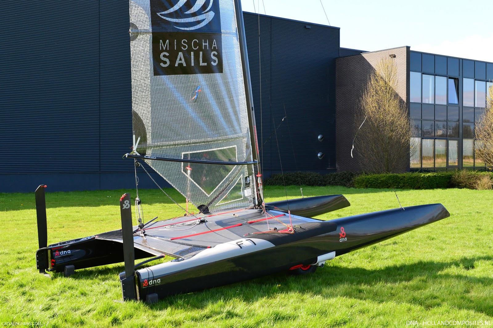 Den hollandske båd DNA F1, blandt andet med ny, lækker platform. Foto: DNA-HOLLANDCOMPOSITES.NL