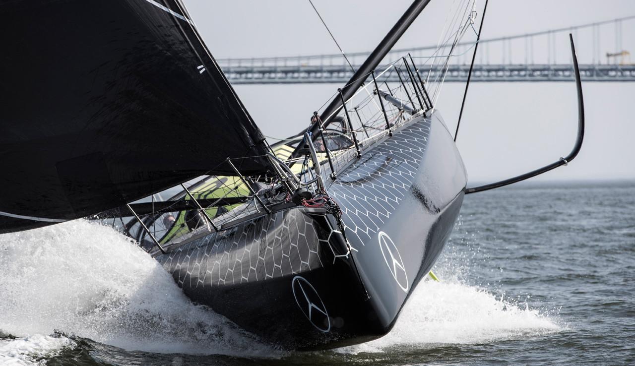 Den nye IMOCA båd lanceres til Alex Thomsons femte start i Vendée Globe. Foto: Hugo Boss.