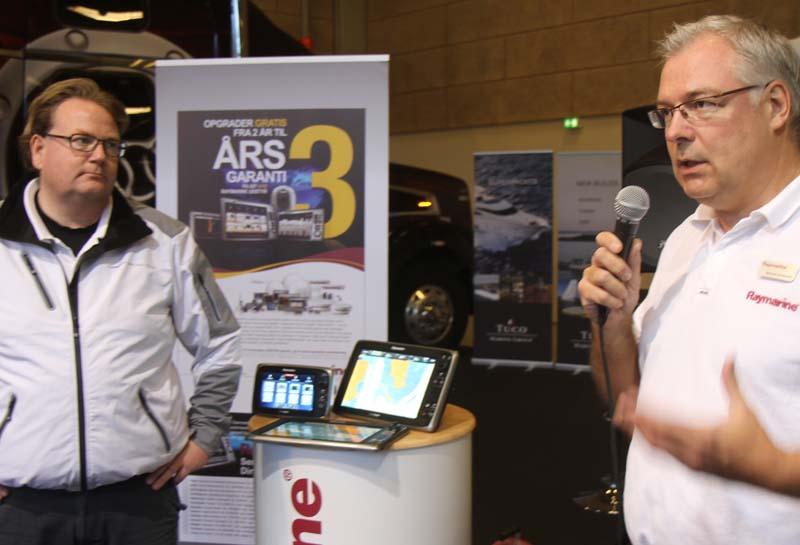 Jonas Pedersen fra Carbon3 og Michael Krumbæk fra Raymarine, th., under Både i Bella. Foto: Troels Lykke