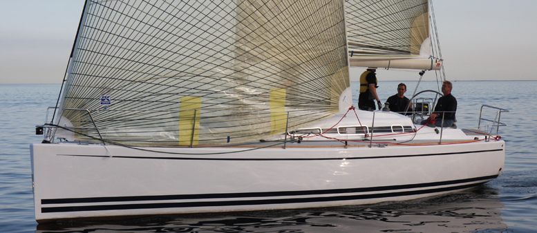 Her ses Arcona 340 med 140 procents genua, fremover tilbydes kunderne også en med 106 procents fok med John Mast. Foto: Troels Lykke