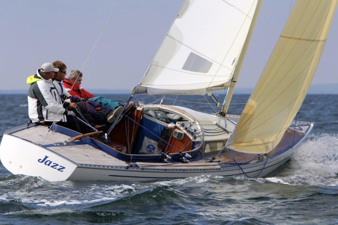 Flere BB10 M-sejlere har haft bådene, fra de blev bygget sidst i 70'erne. De er stadig aktive, men sejler primært weekendsejlads, fortæller Bjarne Venø Petersen. Foto: BB10-meter-klassen